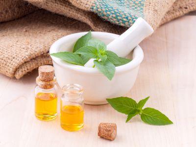 Aromaterapia in cucina: come usare gli oli essenziali per cucinare