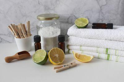 Gli oli essenziali per le pulizie domestiche: quali scegliere e come utilizzarli