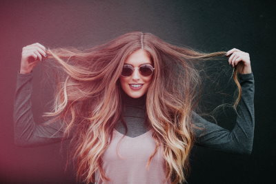 I migliori oli essenziali per la cura dei capelli