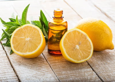 Olio essenziale di limone: proprietà benefiche e come utilizzarlo